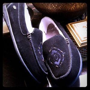 Women's Acorn slippers